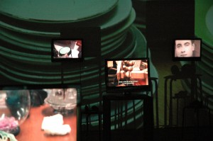 TRACÉS, in Netwerk Aalst, 2012, films 'Things', background 'Travel'
